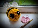 Medium crochet bumble bee